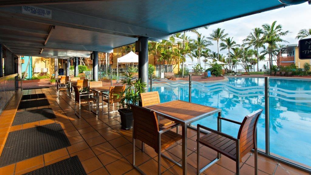 Pool Bar Photo